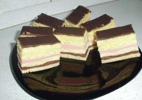 Egyszerű sütemény színesen