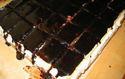 Barackos túrós süti keksszel
