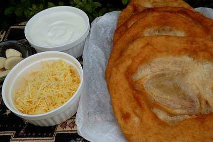 Olvadó sajtból elfolyó órák