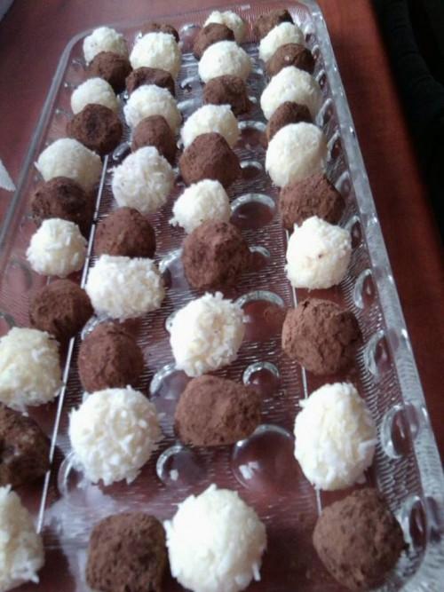 Kókuszos-kakaós golyók kb 40 db