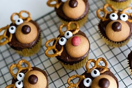 Rénszarvasos mandulás-meggyes muffin