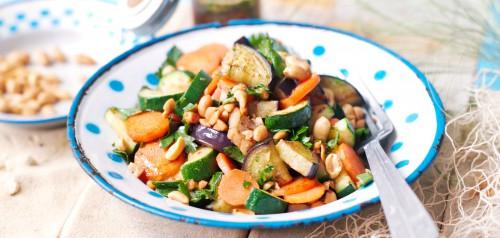 Mogyoró saláta