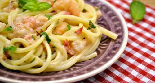 Tejszínes garnélás spagetti