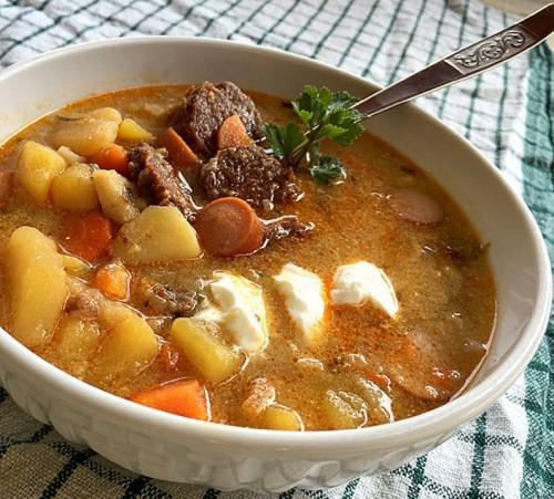 Gyors magyaros krumplileves - Nemcsak kolbász, de mé