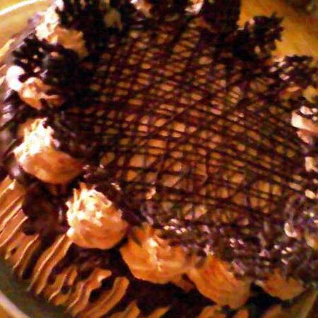 Tejszínes-csokikrémes torta