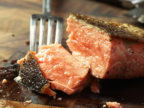 Pan-Fried Salmon Fillets With Crispy Skin