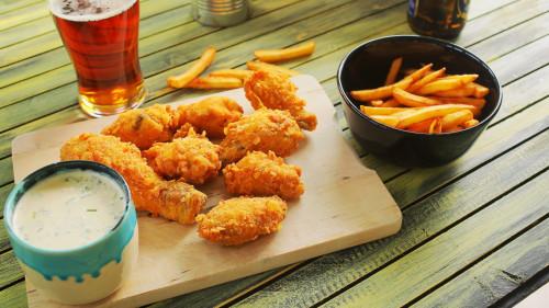 KFC csirke házilag! Ropogós bundával és ranch mártog
