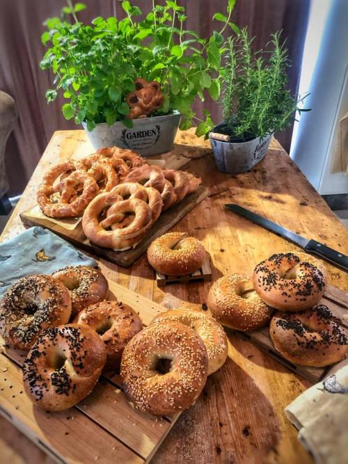 Szabi pék Bagel és főzött pancsos perec